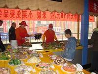 双节期间天津餐饮业收入5.2亿元 美食广场生意火爆